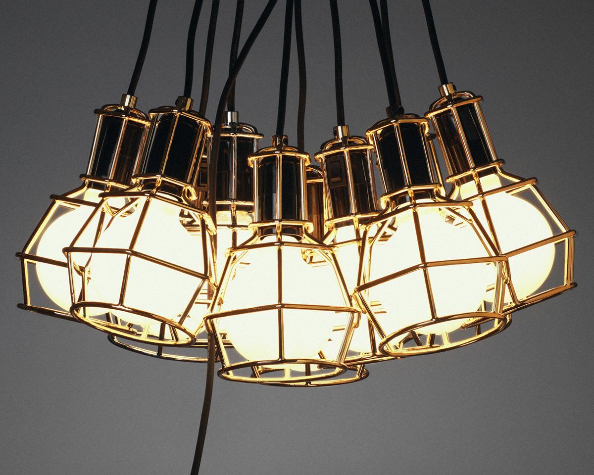 快適な睡眠をもたらすメラトニンが分泌しやすくなるオレンジの光|DESIGN STOCKHOLM(Work Lamp)