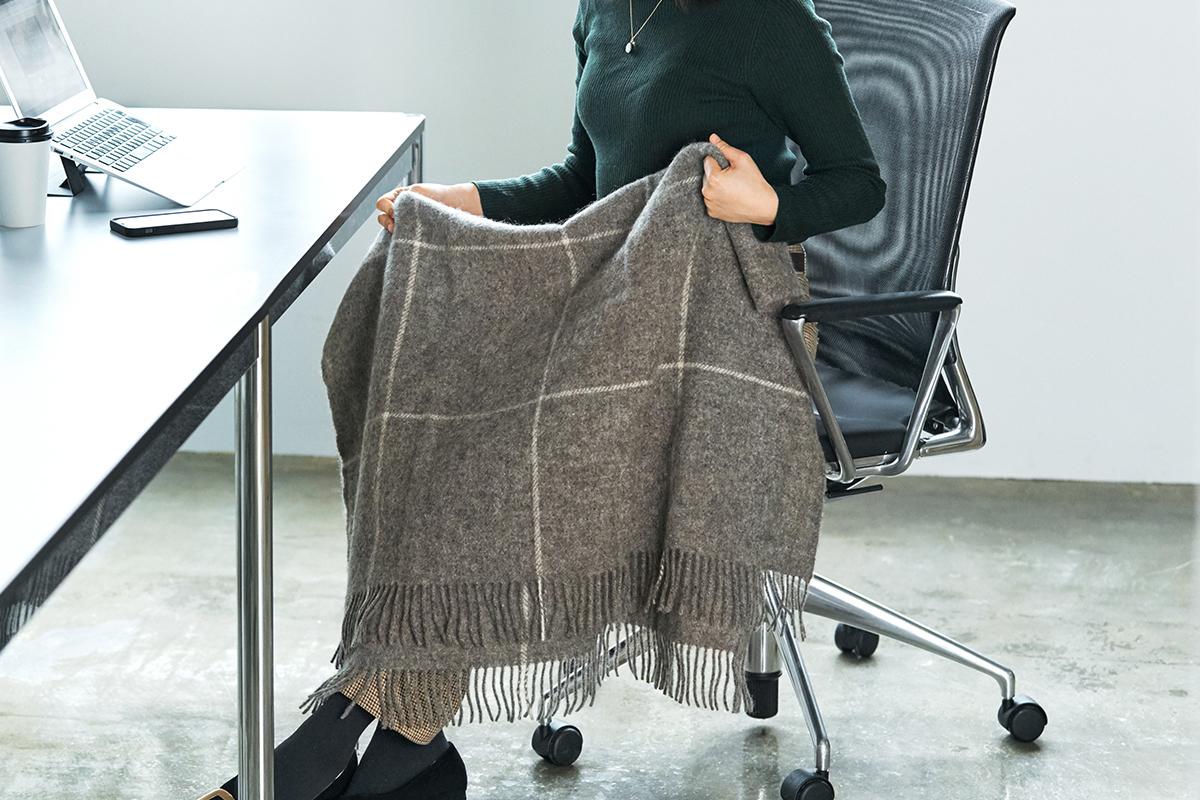ヒュッゲ(Hygge)なぬくもり。デンマークの老舗で、その上質な膝掛けは、世界中で愛されている膝掛け(ひざかけ)|デンマーク王室御用達のSilkeborg(シルケボー)