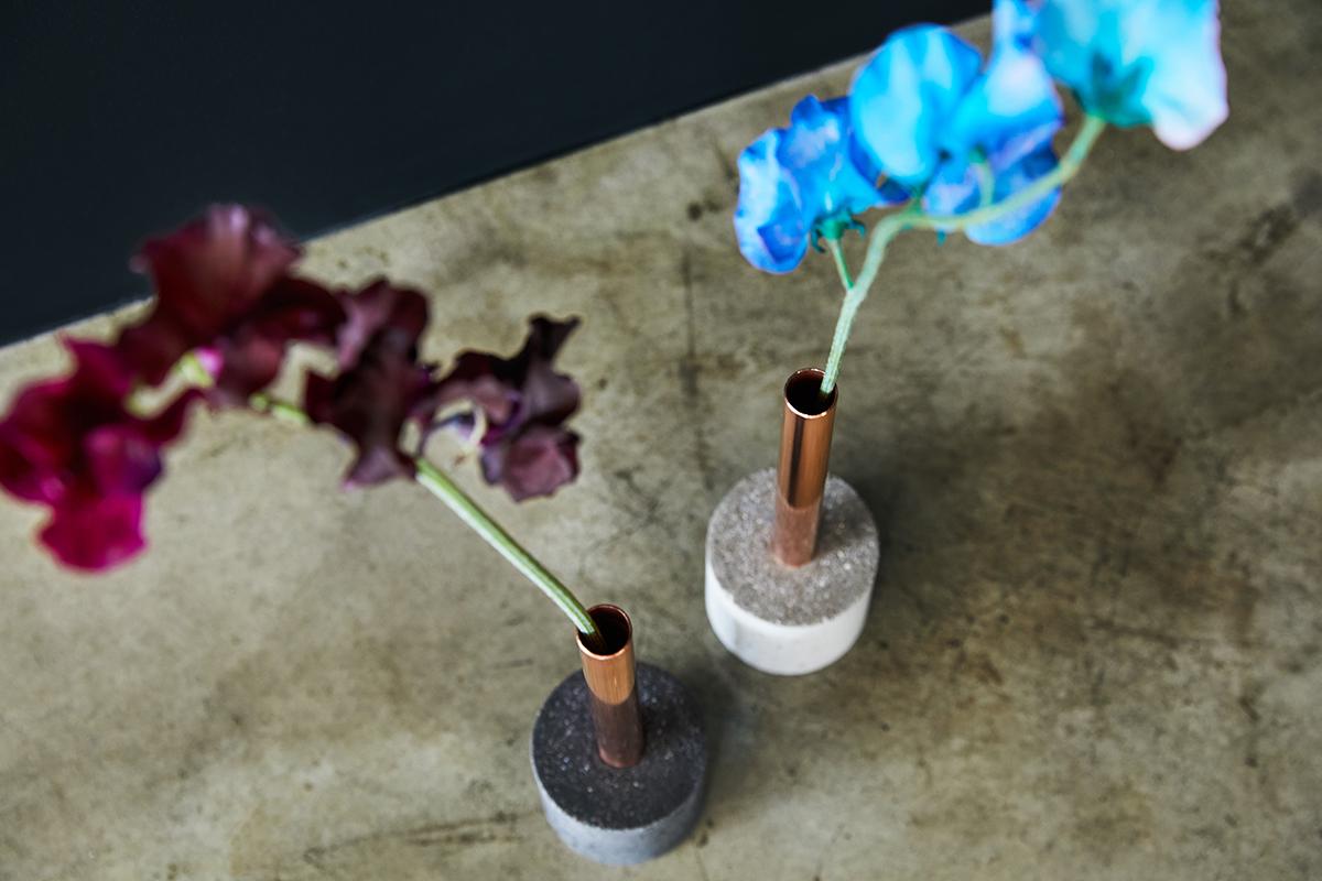 花を長持ちさせる。カビや雑菌の繁殖を抑える力がある銅管。無造作に挿すだけで「絵」になる、銅管の一輪挿し・花瓶・フラワーベース|BULBOUS
