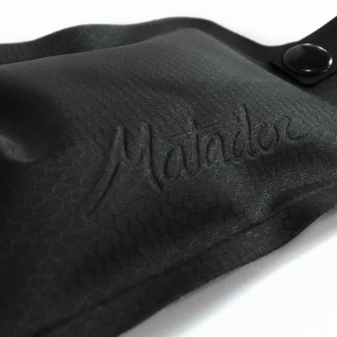 中の液体が漏れる心配もなく、洗って乾かすことで何度も使えるエコボトル。小さくたためる「トラベルボトル」|Matador