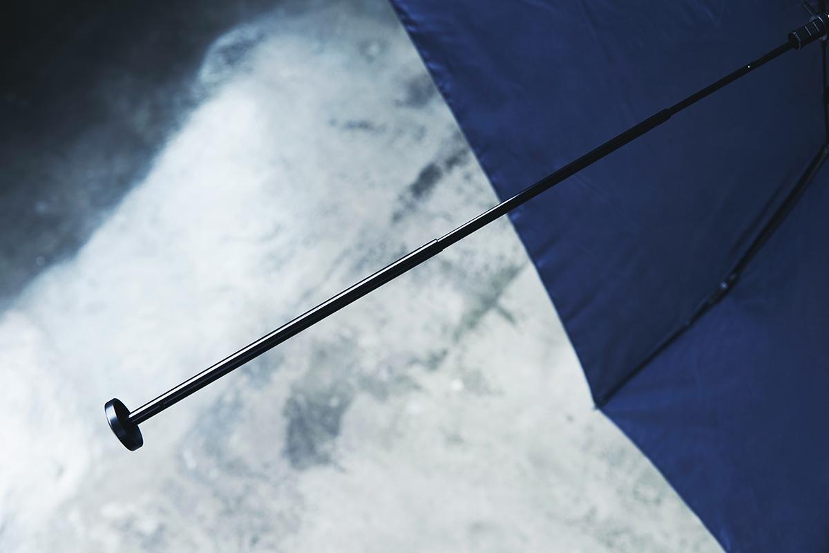 軽量フレーム|親骨と受骨は、丈夫で軽いカーボンファイバーを使用。航空機や人工衛星のアンテナにも使われる高価な機能素材の「世界最軽量級折りたたみ傘」|Pentagon72
