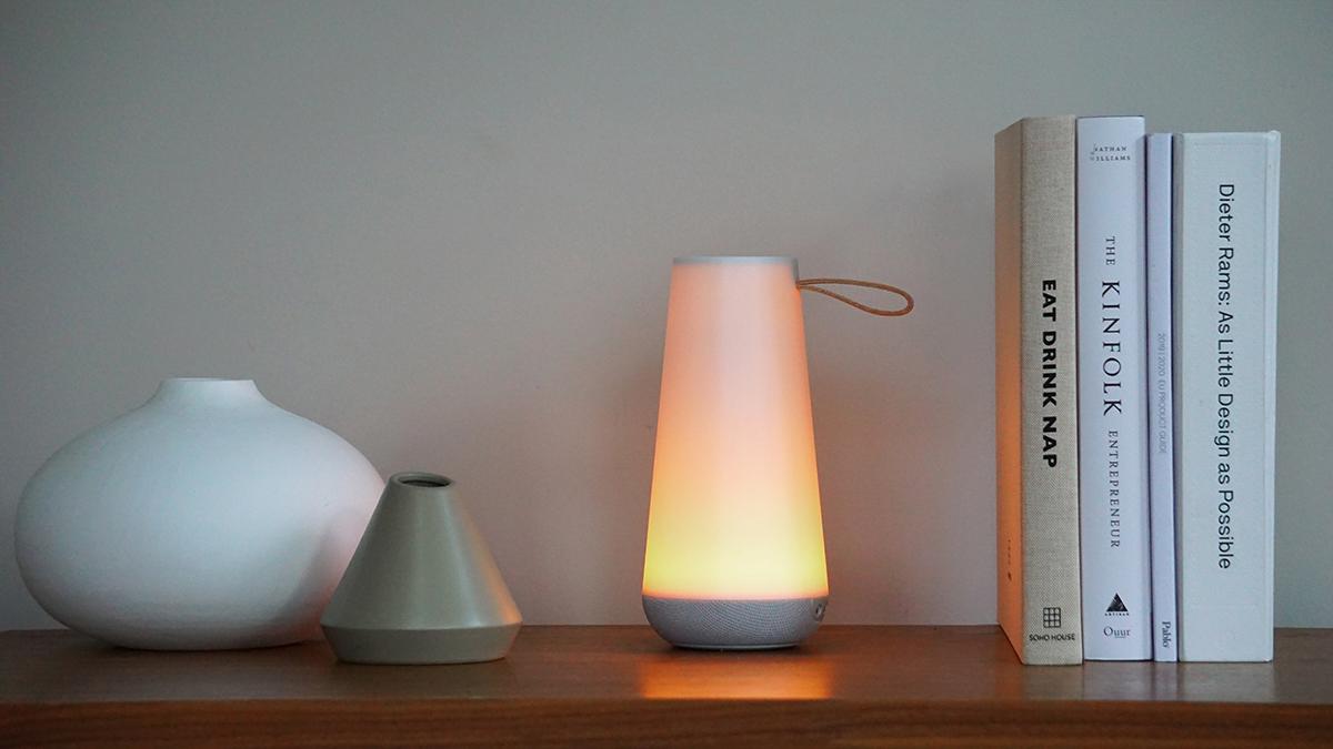 リビング|間接照明として、落ち着く空間を演出。和空間にも、美しく調和します。「音」と「光」の調和するワイヤレスHi-Fiスピーカー|Pablo UMA MINI