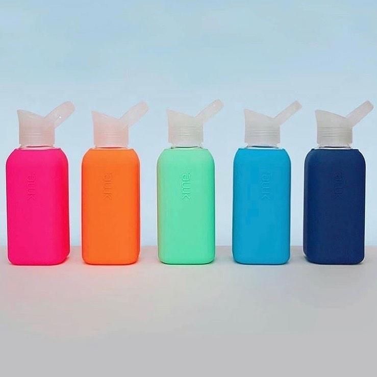 「銭湯で飲む、ガラス瓶の牛乳」のような口当たりの良さ。ホットもOK!口当りのよい手づくりガラス製マイボトル|Squireme(スクエアミー)