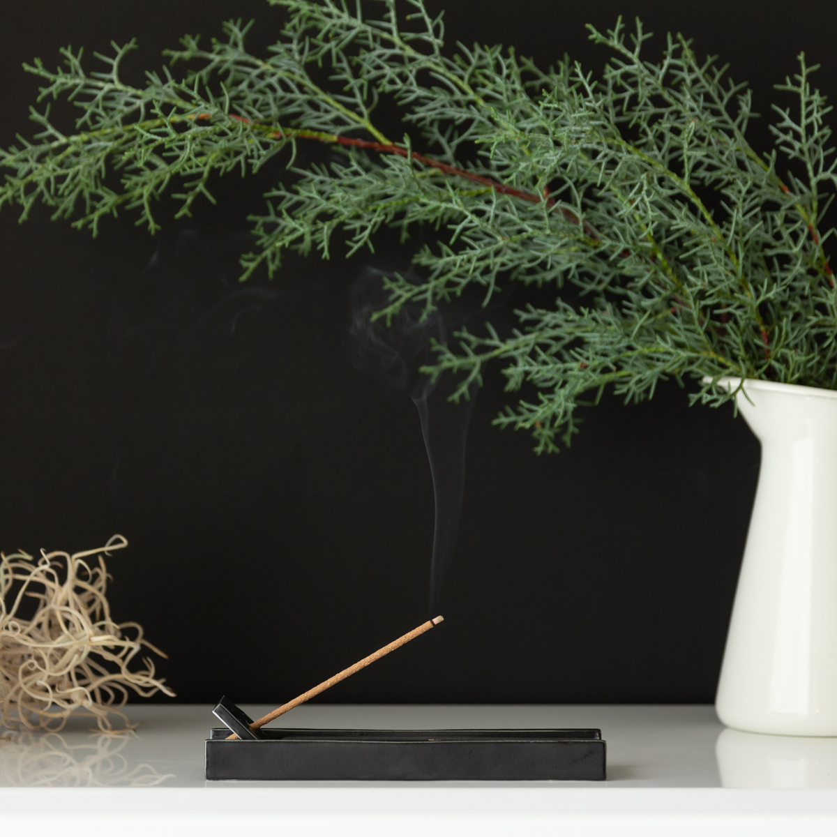 DNAレベルで「いい香り!」と喜べる日本の樹木の香りと西洋の香りをブレンドした、エレガントな余韻のあるインセンススティック(お香)|KITOWA