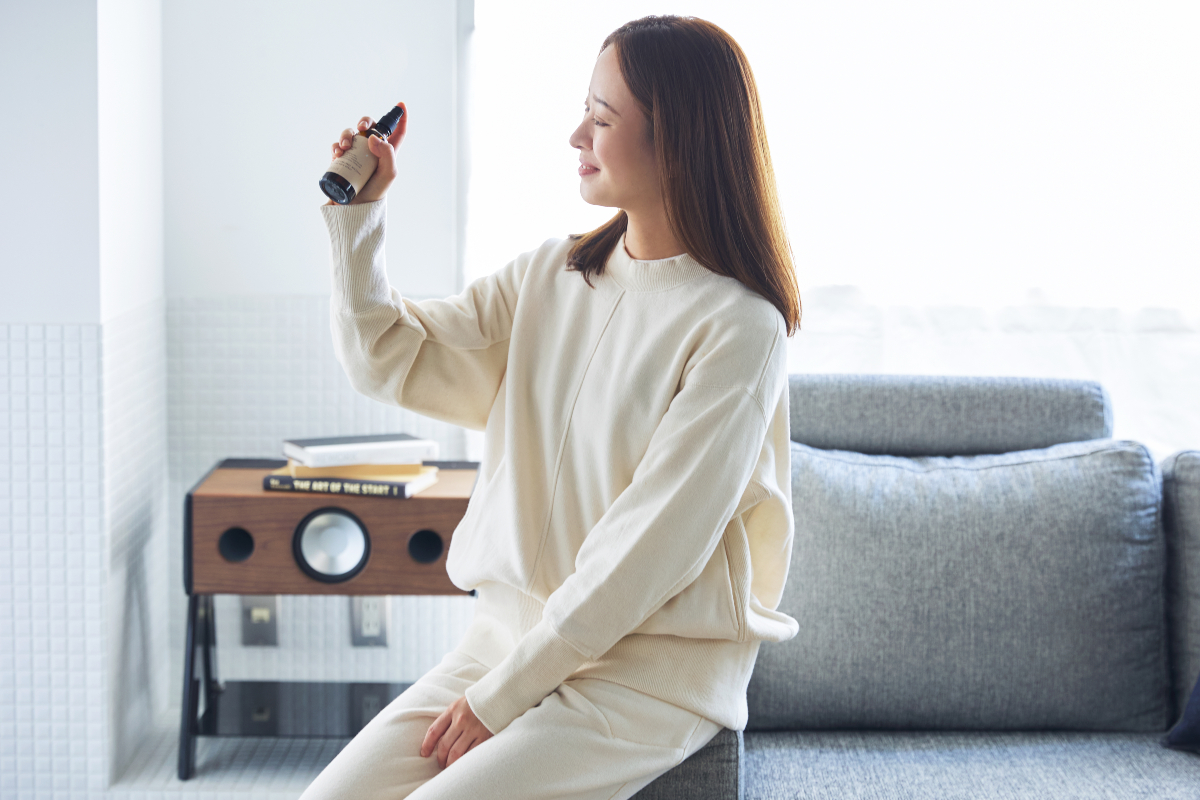 稀少な「カラードコットン」を、無漂白・無染色で編み立てた、世界で初めての部屋着。普段着にも外出着にも。エシカルなオーガニックコットンの「大人の部屋着」|MONOEARTH(モノアース)