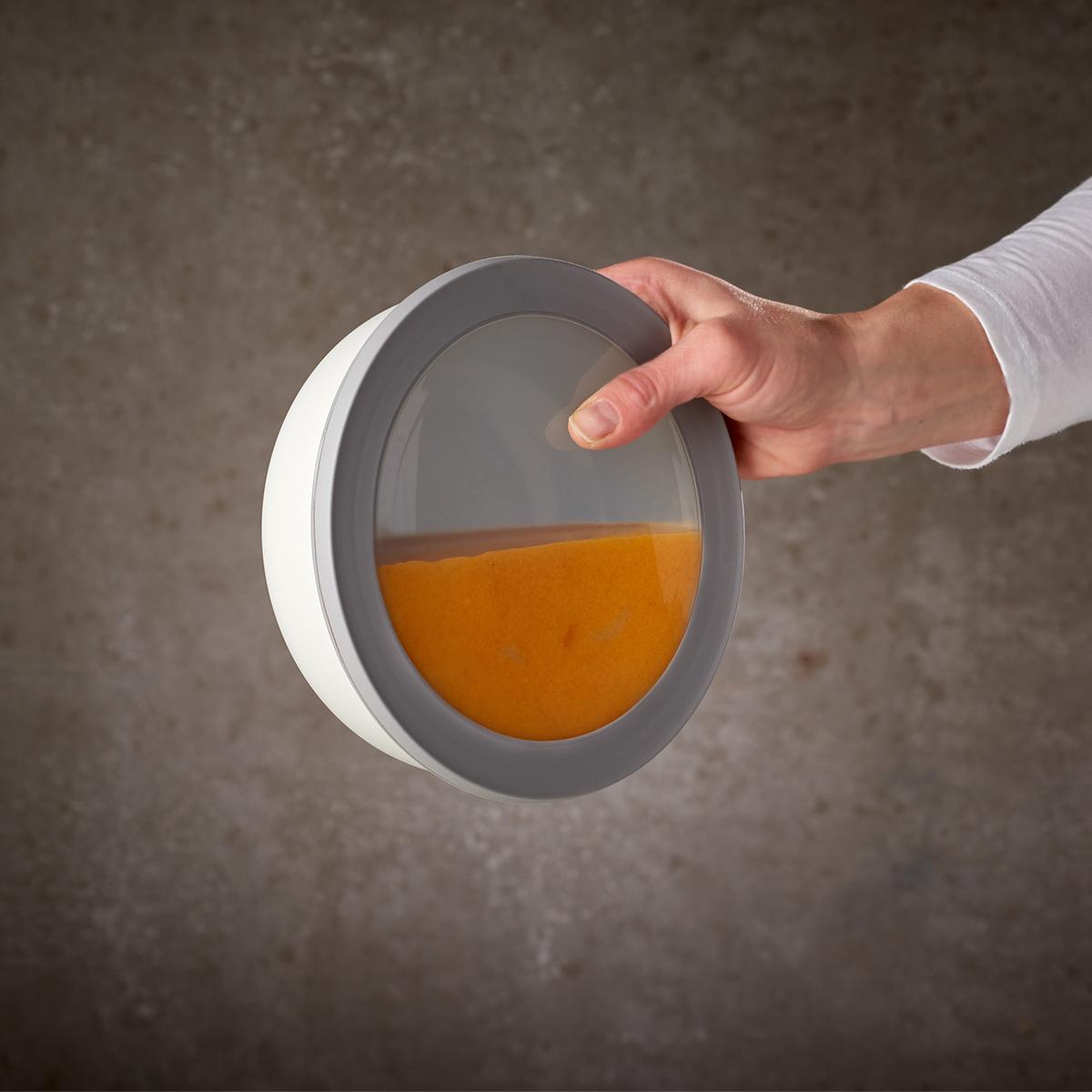 悩みの「汁漏れ」にサヨナラ!固形物だけでなく、煮物・スープなど汁気が多いものも安心して保存でき、どんな料理・食材にも万能。汁漏れしないマルチボウル・タッパー・保存容器|MEPAL CIRQULA(サーキュラ)