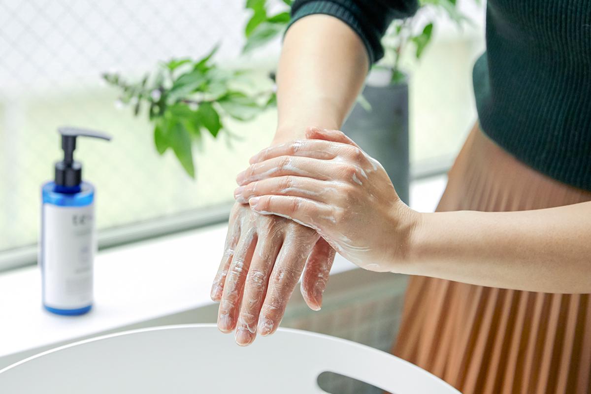 実は、誰もがカンタンにできる、リフレッシュ方法が「手洗い」です。気分転換の手洗いにおすすめな、バンドソープ(液体石鹸)|tet. hand soap REFRESH(テト ハンドソープ リフレッシュ)