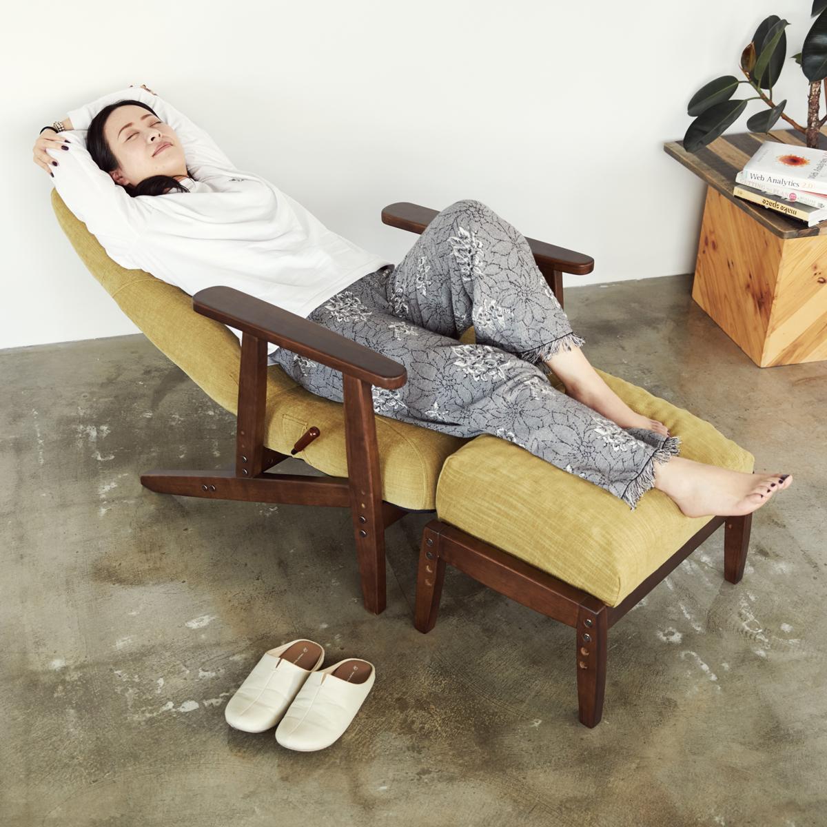 究極のリラックスチェアで至福の寝落ち体験。体にいい姿勢でリラックス!首も腰も好きな角度に調節できる寝椅子(リクライニングチェア)|P!nto