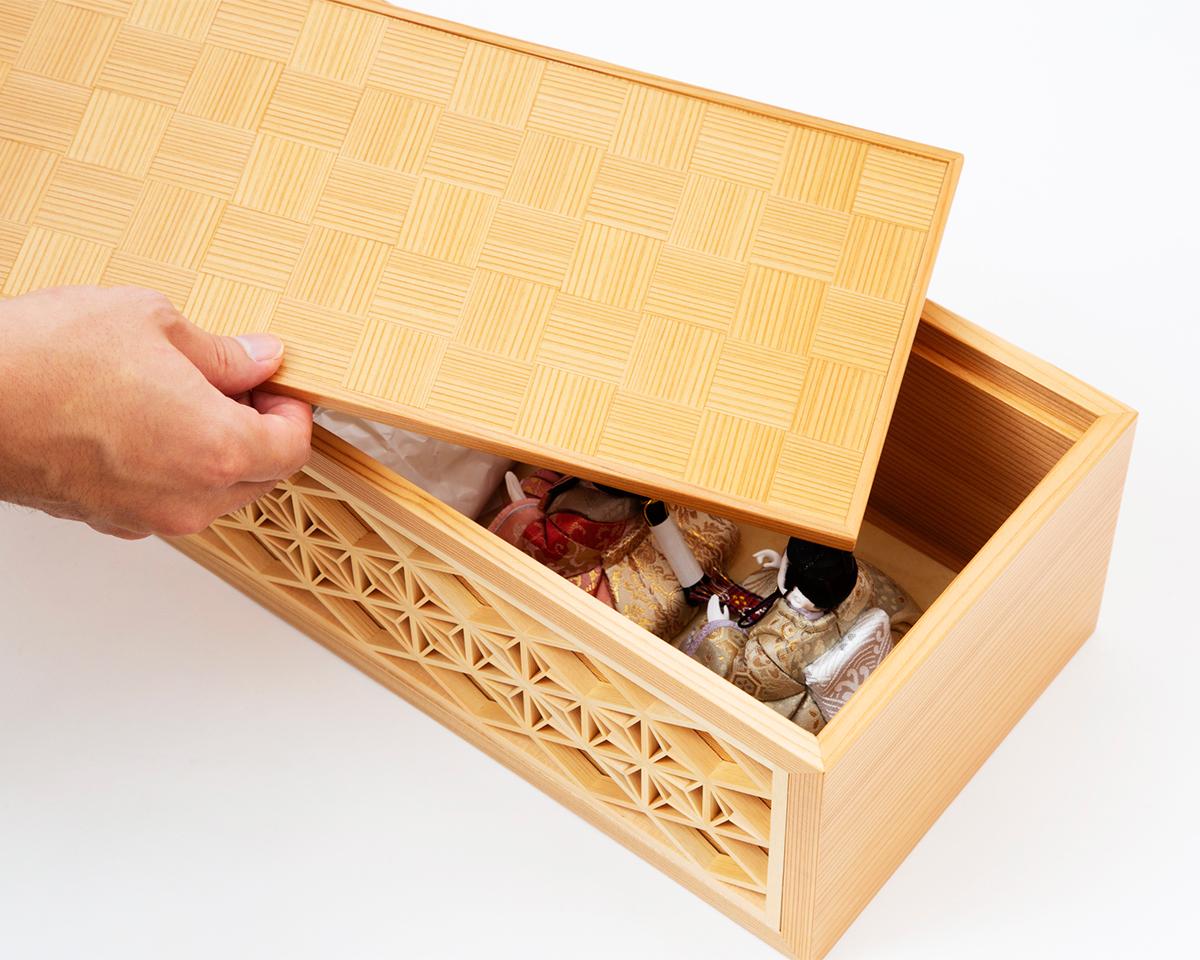 クローゼットや押し入れへ保管しやすいコンパクトさ。モダンな美しい日本の伝統工芸が結集した木目込みプレミアム雛人形|柿沼東光の宝想雛