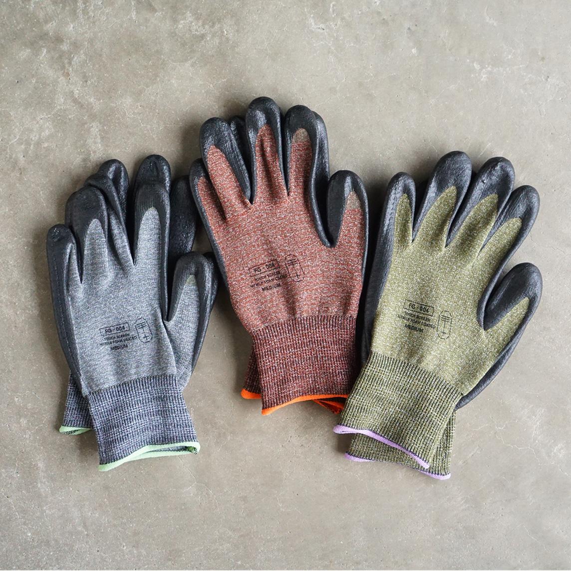 手袋の全面に、導電糸を編みこむことで、スマホ画面にもタッチできます。スマホを触れる。ネジもつまめる抜群のフィット感で、指先がスイスイ動く「作業用手袋」|workers gloves(ワーカーズグローブ)