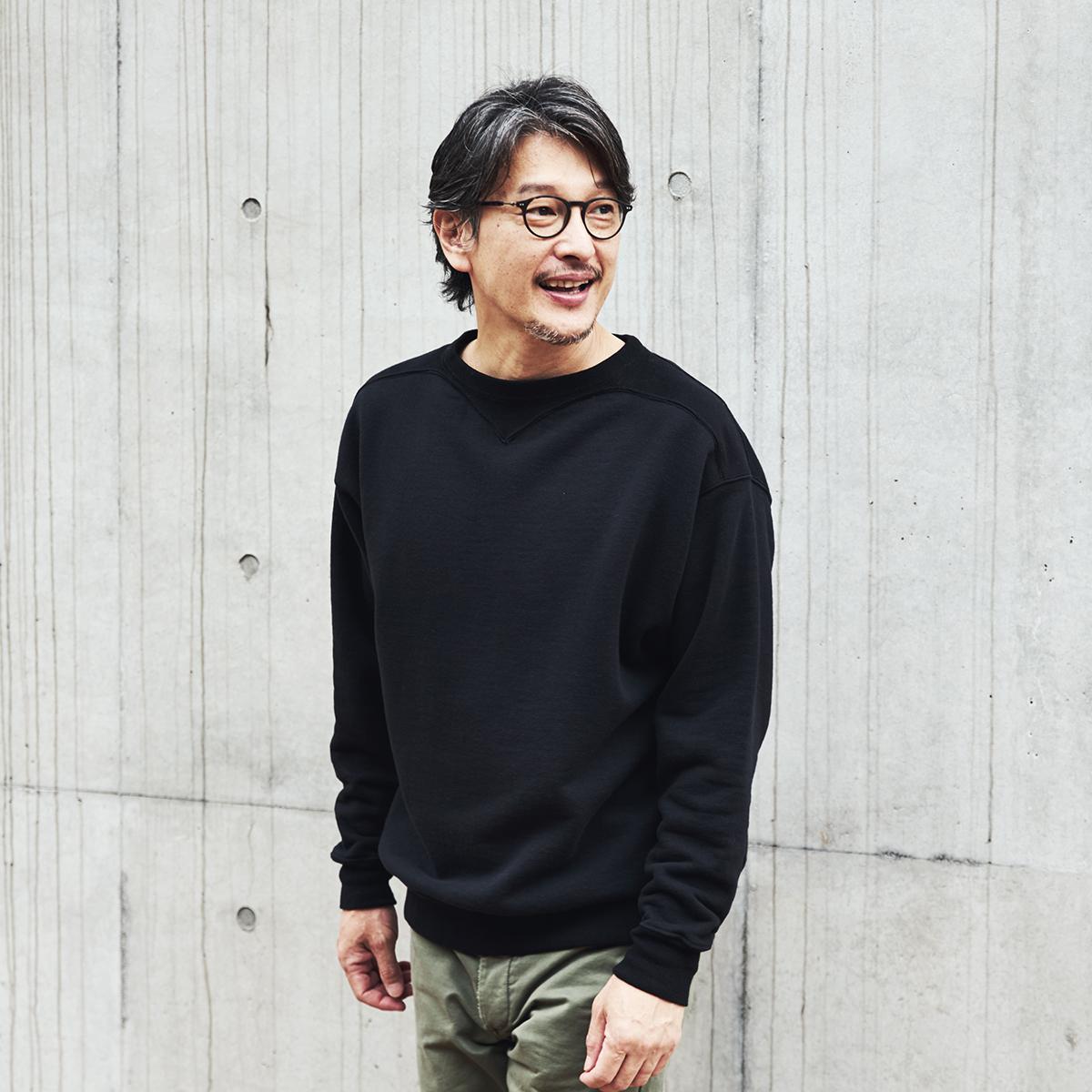 設立はなんと1876年。黄金時代の一着に身を包む高揚感を。スポルディング社の名作から、現存していない「ブラック」をMade in Japanで「フットボールシャツ」|A.G. Spalding & Bros