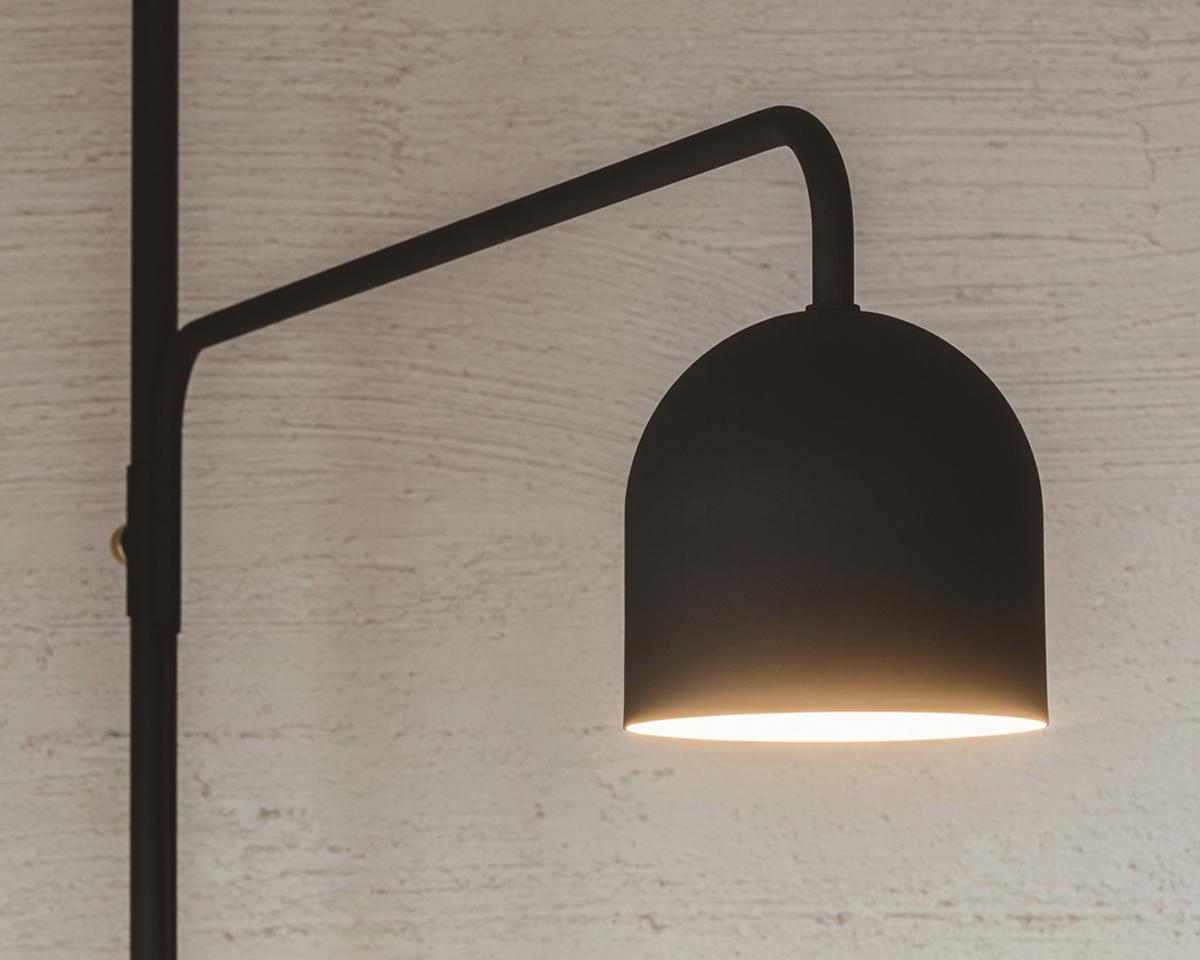 ランプ|1本の線(ライン)に、鍵もバッグも指定席ができる「つっぱり棒」|DRAW A LINE