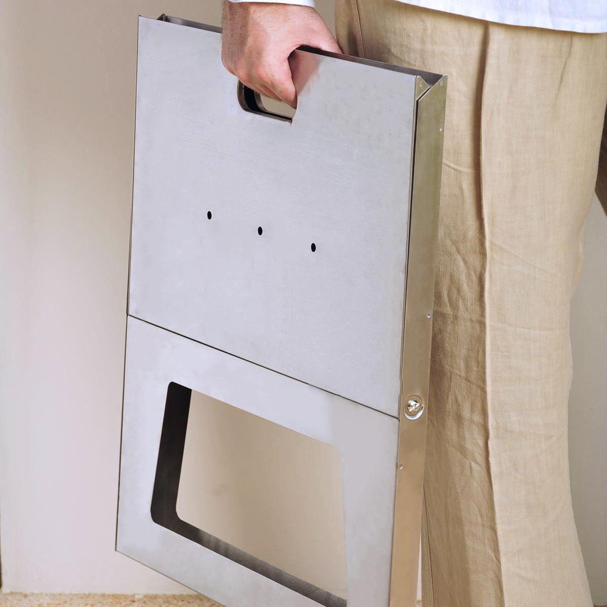 ノートのような珍しいデザイン。畳めるバーベキューグリル|Notebook