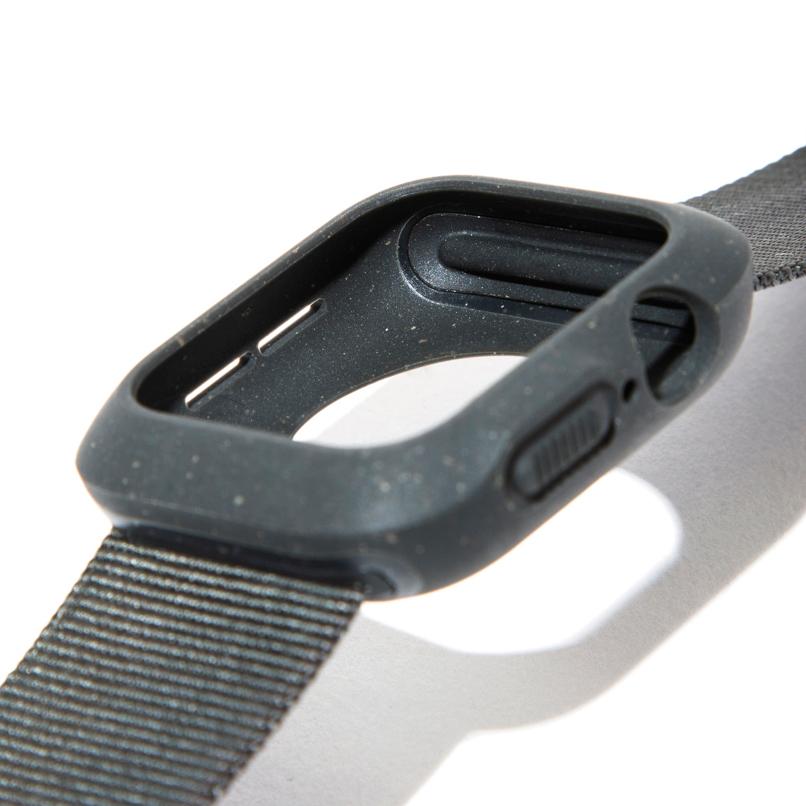 Apple Watch本体をしっかりとカバーする入れ子設計だから、スレやキズ、落下時の衝撃から守ってくれます。タフケース一体型Apple Watchバンド|LANDER Moab case+Band