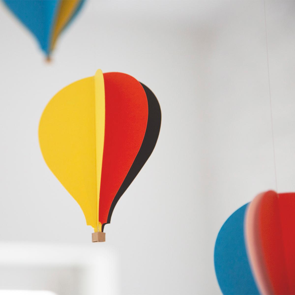 空中が、癒しの空間に。吊り下げるだけで、お部屋がモダン空間に変わる「大人のモビール」|FLENSTED MOBILES(フレンステッドモビール)