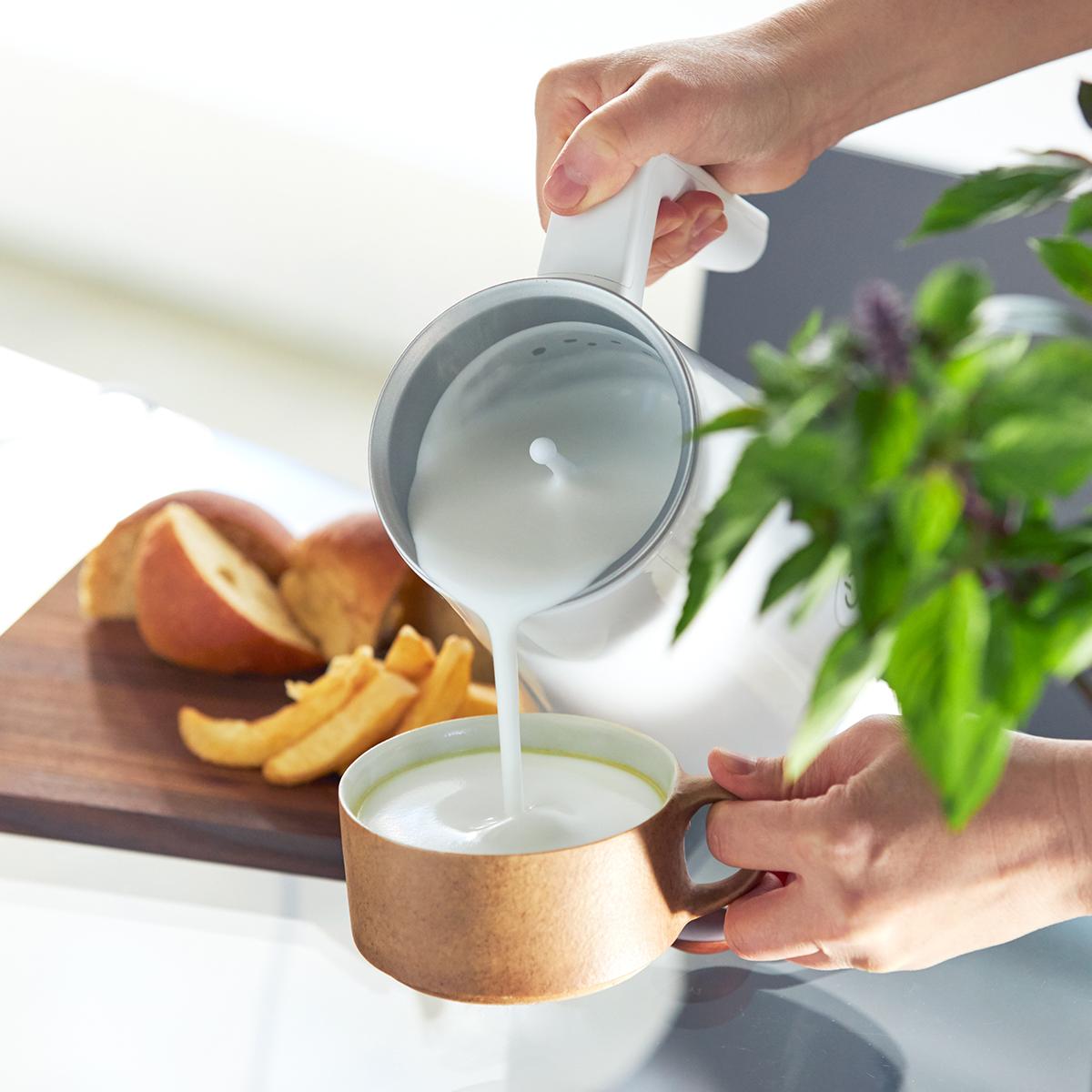 アレンジ次第で豊富なメニューも。思わず唸るほど、キメ細やかでクリーミーなふわふわミルクが簡単に作れる「全自動ミルクフォーマー」|PRINCESS Milk Frother Pro