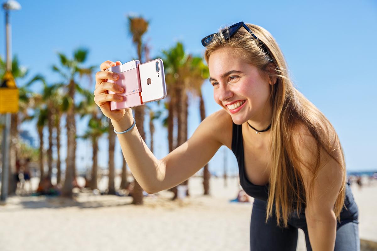 綺麗な写真を撮りながら、写真の楽しさが学べるカメラグリップ(iPhone全機種対応) | PICTAR