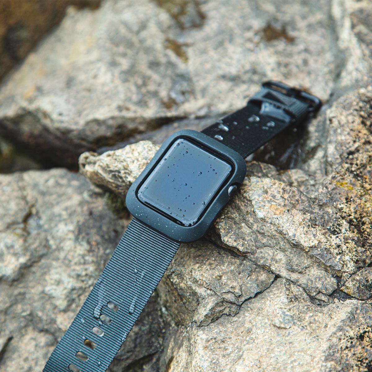 雨や雪などの悪天候時でもガシガシ使えて、汚れても丸ごと洗える。落下・衝撃・水濡れに強い、タフケース一体型Apple Watchバンド|LANDER Moab case+Band