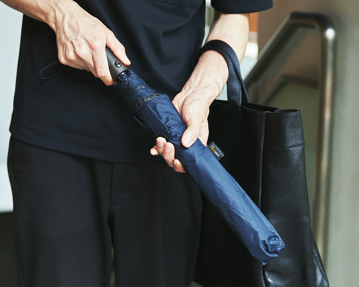 スリムにたためる遮光・遮熱もできる自動開閉傘日傘・雨傘|《晴雨兼用》指1本でカンタン開閉!丈夫なコーデュラ生地で仕立てた「自動開閉式折りたたみ遮光傘」|HEAT BLOCK ×CORDURA Fabric|VERYKAL LARGE