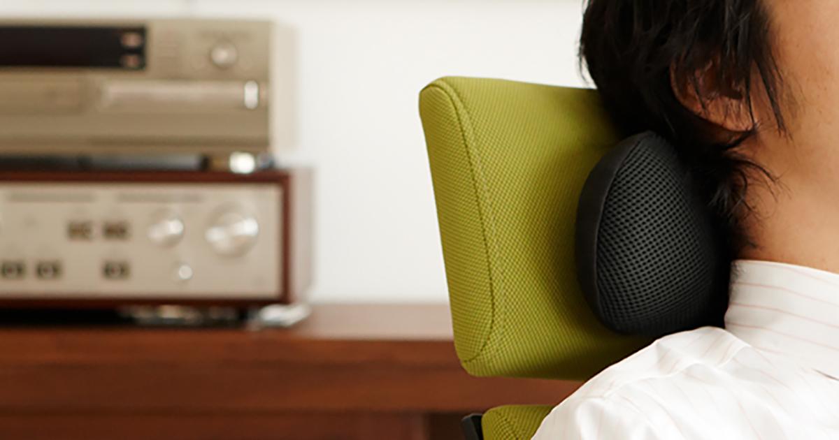 オフィスでの昼寝に最適な携帯枕