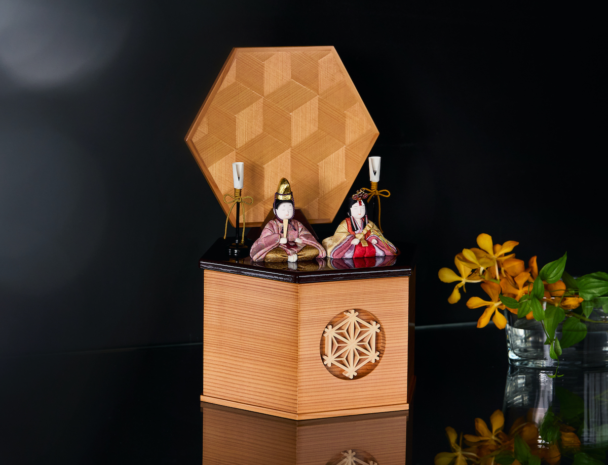 《六角形/小》7つの日本伝統工芸をコンパクトモダンにした、江戸木目込の「プレミアム親王飾り」 宝想雛 柿沼人形