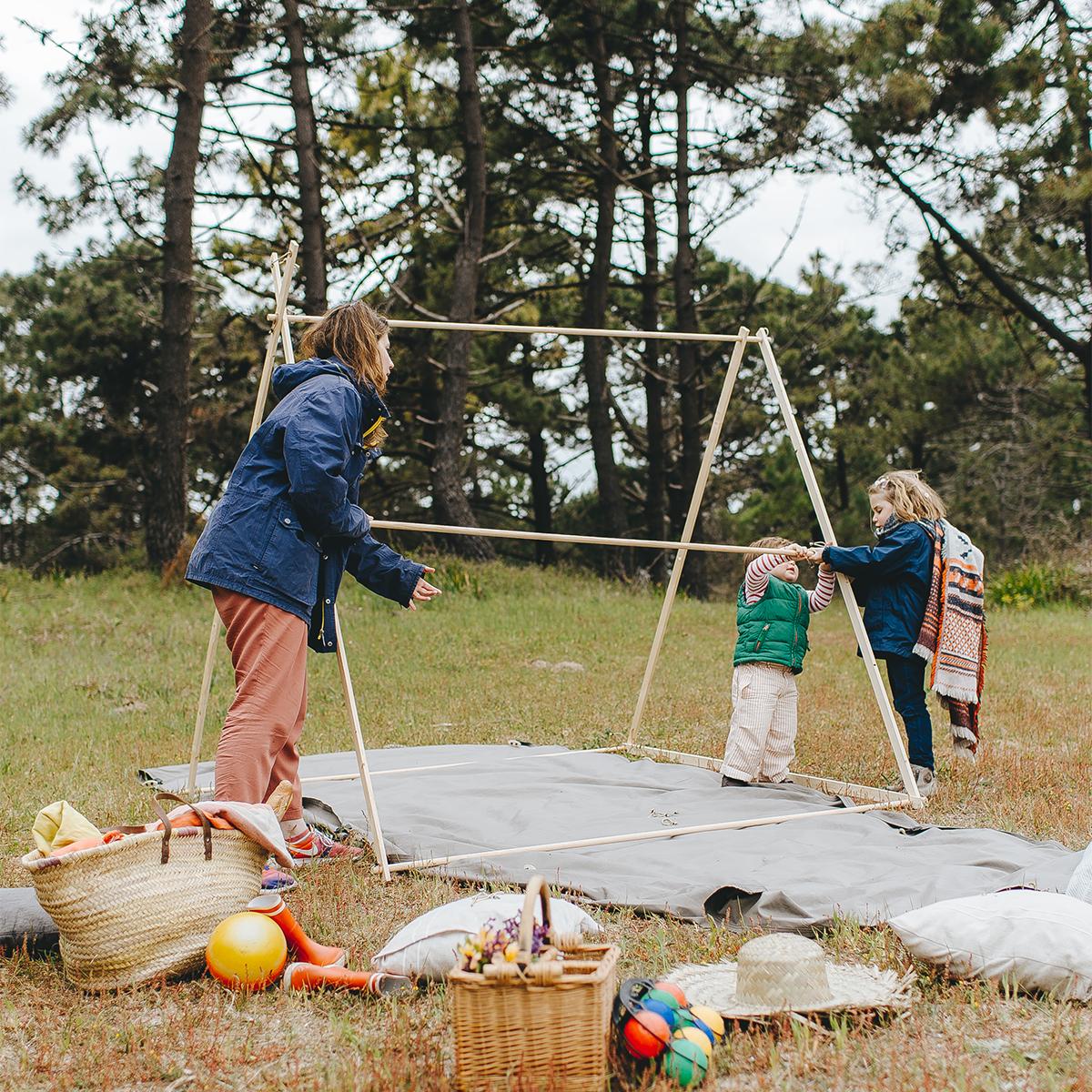 組立ては簡単でも、白木を組んだ本格フレーム、洗練されたフレンチデザイン「帆布テント」|LA TENTE ISLAISE(ラ・タント・イレーズ)