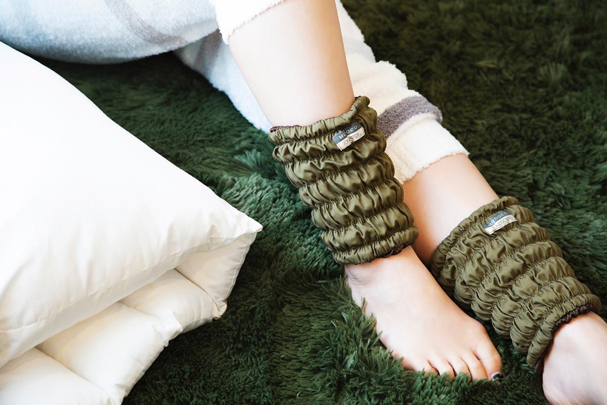 気がつくと、あっという間に、眠りに落ちています。足先から体中がほんのり温まってくるような心地よさで、実に気持ちいい。11種の天然鉱物の力で、足首からホッカホカ。一晩中着けてもラクな足首ウォーマー| IONDOCTOR(MONOCO限定カラー)