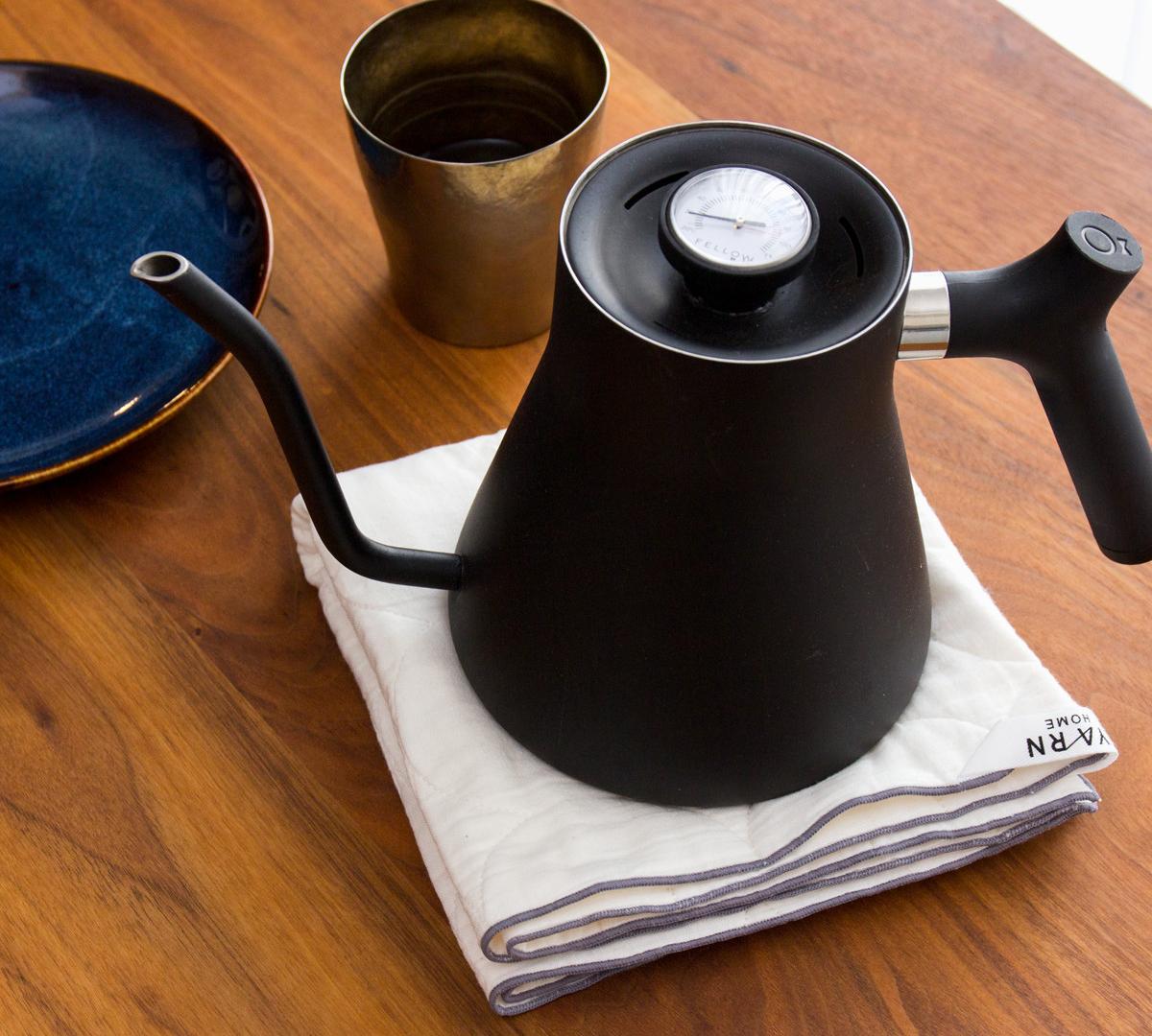 ミトン・鍋敷き|3層構造の綿が水分を一発で掴む!吸水・速乾性に優れた、毛羽がつかない「キッチンふきん」| YARN HOME