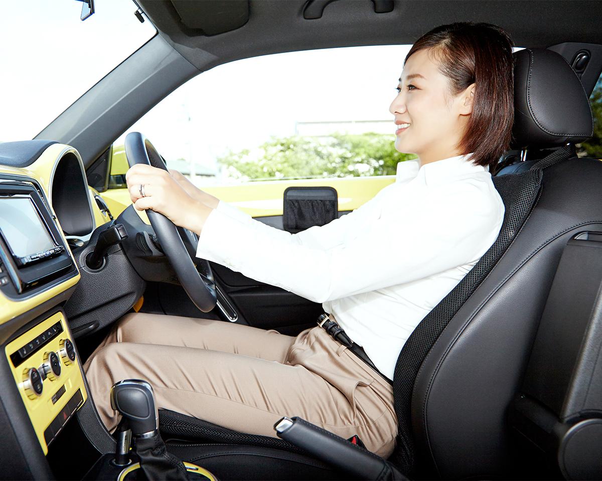 疲れにくいから仕事も遊びも充実。置くだけで、運転中ずっと、腰・背中・お尻がラクな車用シートクッション|P!nto Driver
