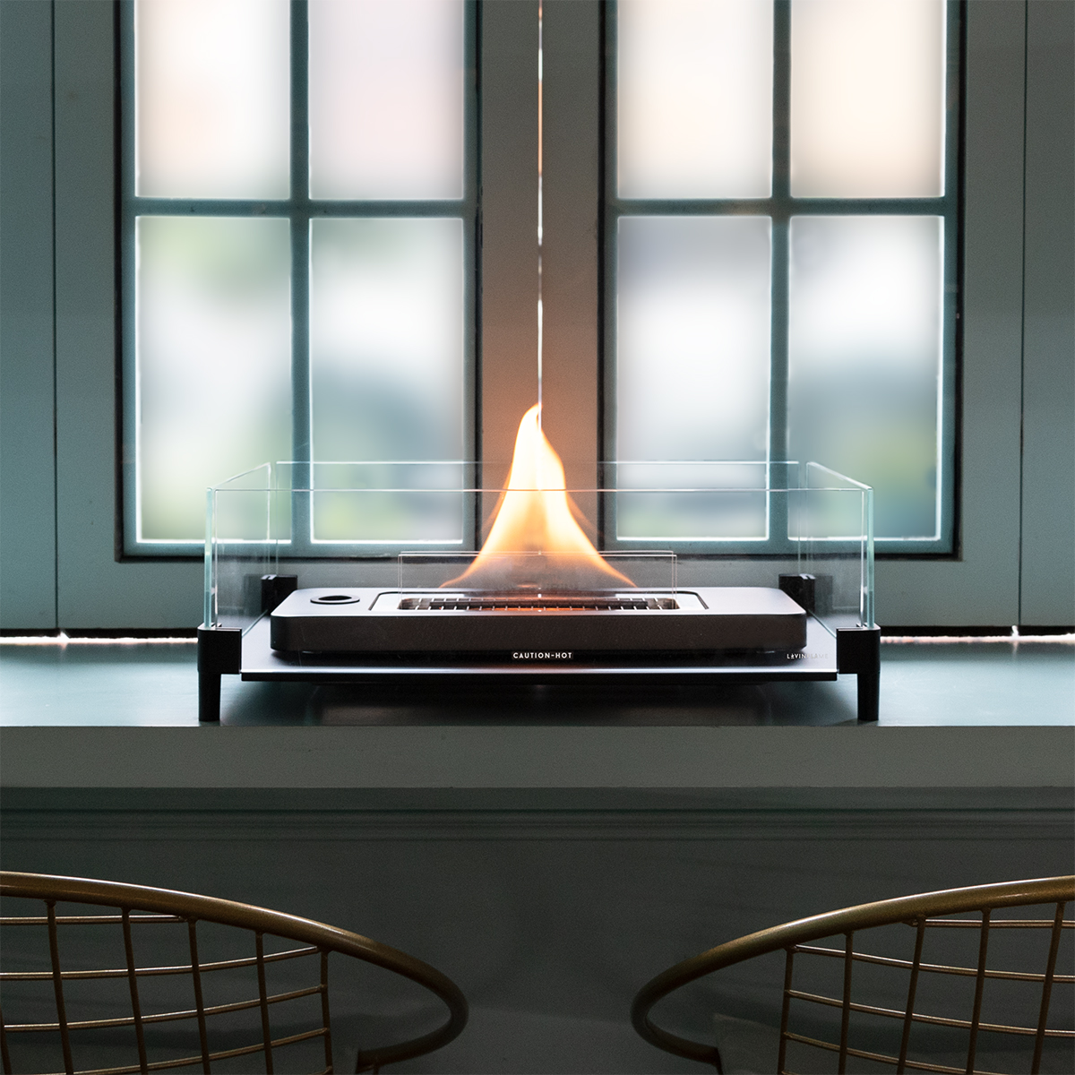 安全にこだわったオイルと特許設計の着火構造。炎が燃え移ったりすることがない、テーブルに置ける「焚き火」|LOVINFLAME