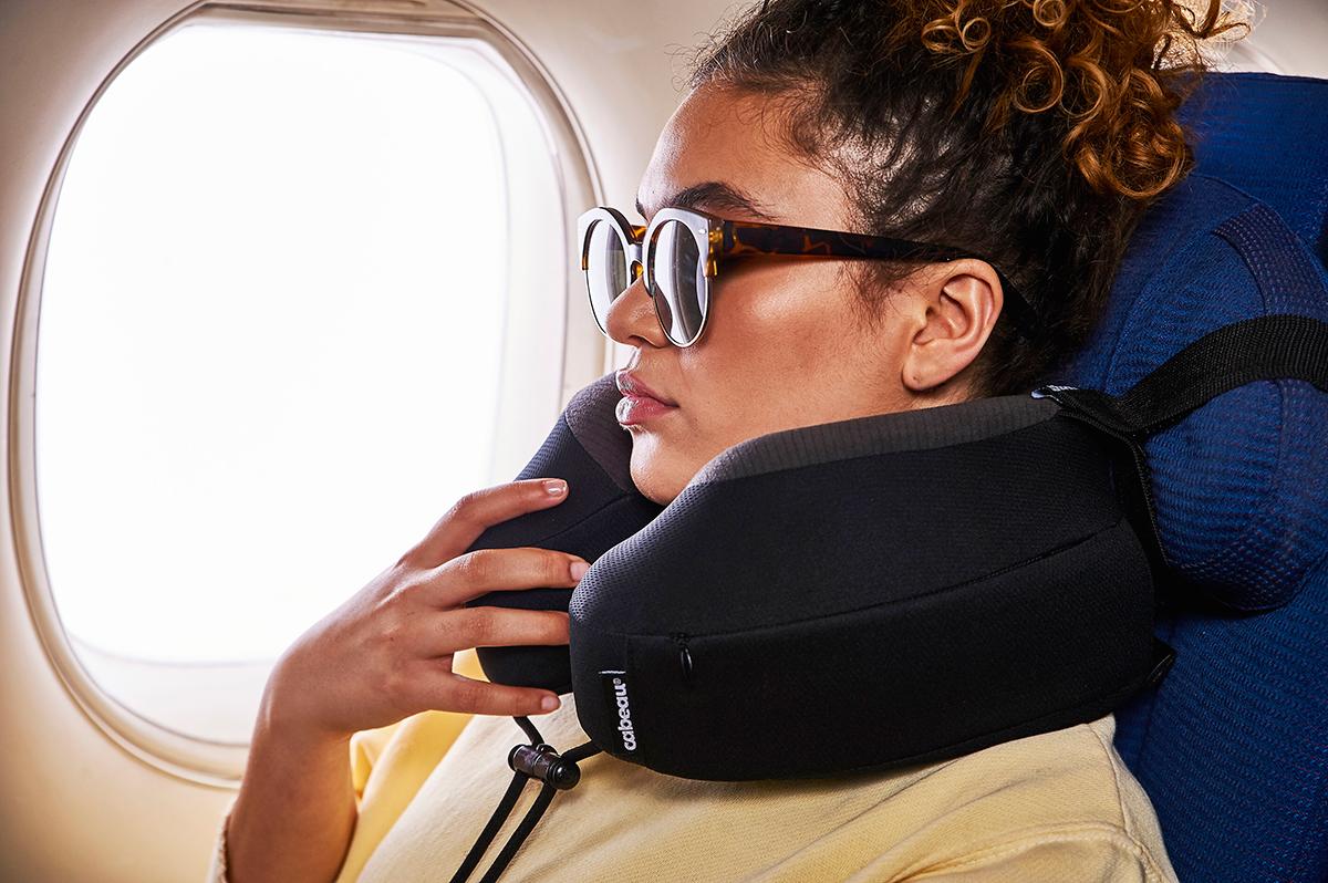 旅行に、出張におすすめ。体が資本のプロスポーツ選手が、一からこだわってつくった、心地よさが違うトラベル枕|cabeau