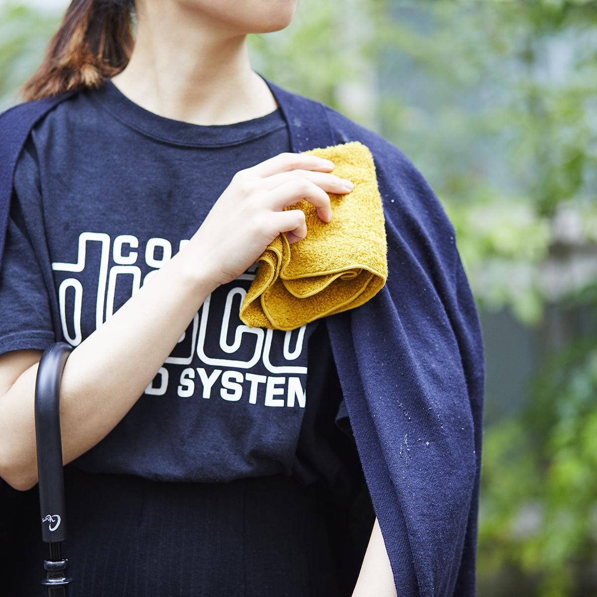汗をすぐに分解消臭、1日中爽やかなミニタオル(ハンカチ・タオル)|Breeze Bronze