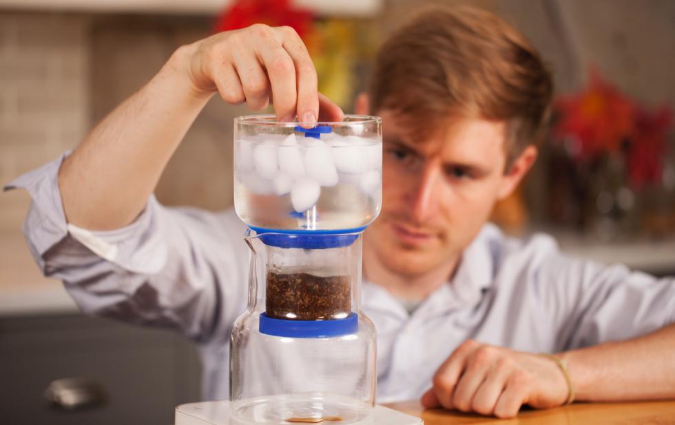 スロードリップ式のコールドブリューコーヒー(アイスコーヒー)