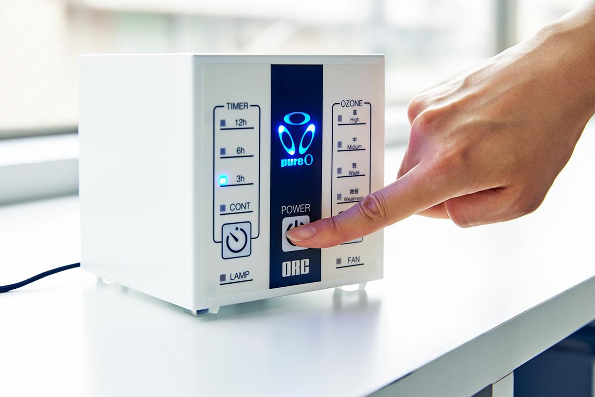 いつでも安心して、深呼吸したくなるクリーンな空間に。家庭内、外出先の感染症対策と臭い対策のおすすめは、オゾン除菌・オゾン消臭。ウイルス・菌を分解、不活化させる「家庭用 オゾン発生器」