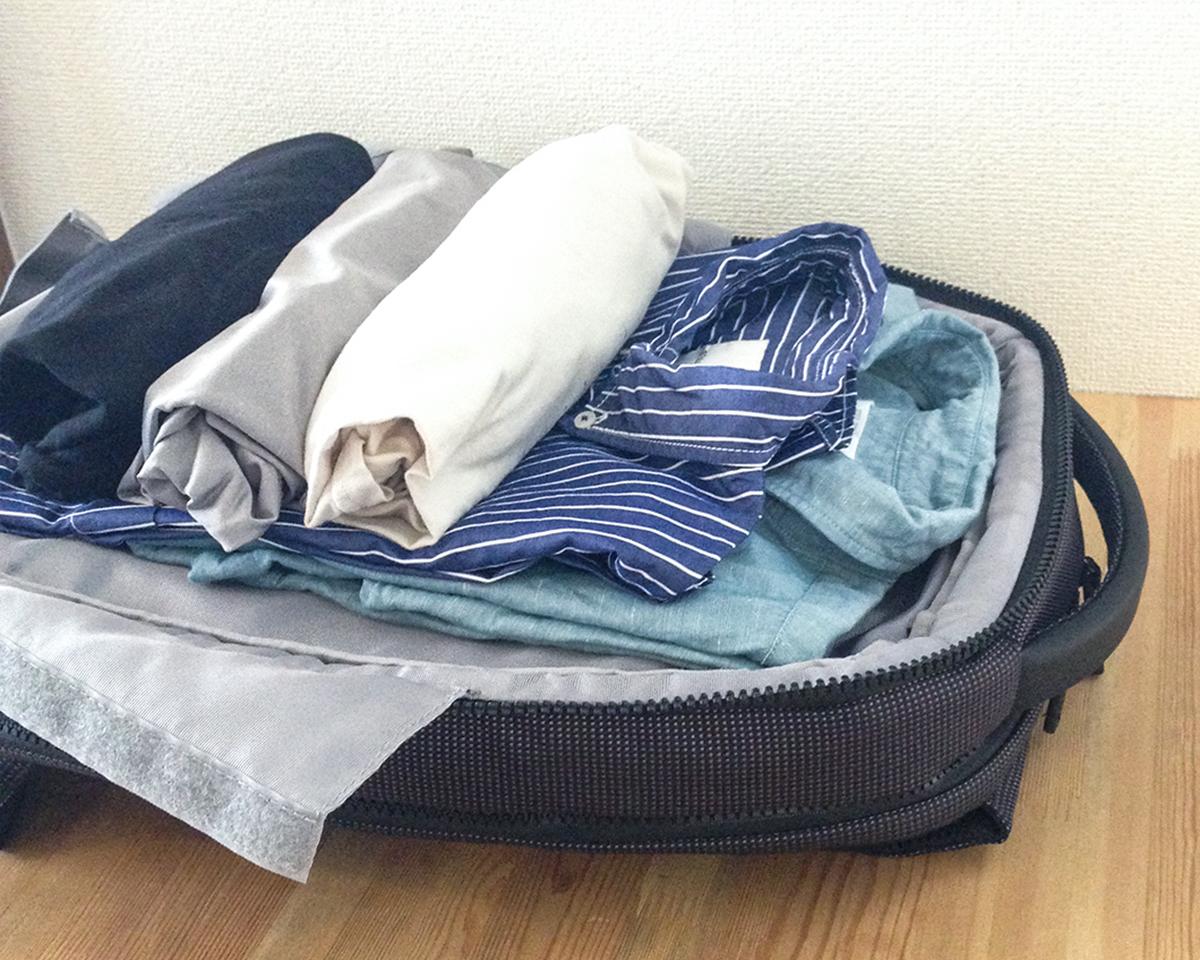 服、下着、靴下、ハンカチ、タオルをスマートに立体収納できる。出張や旅行にぴったりのバックパック|NAVA