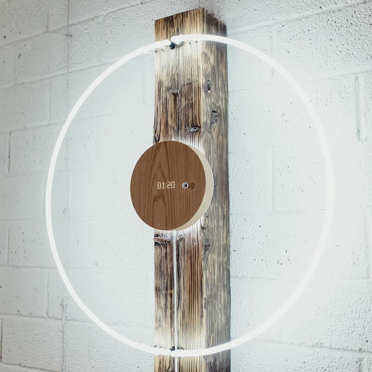 時計として飾っても、STORYはひと味違う。磁力で浮遊する「時の球体」。あなたの物語を軌道に旅をする時計|Flyte STORY