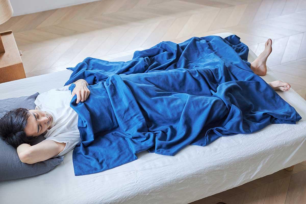 吸水性・通気性抜群で朝までぐっすり眠れる。届いたその日から、肌にふんわりなじむ、柔らかい「ガーゼケット」|和晒し(わざらし)ガーゼカバーケット(肌掛け・布団)