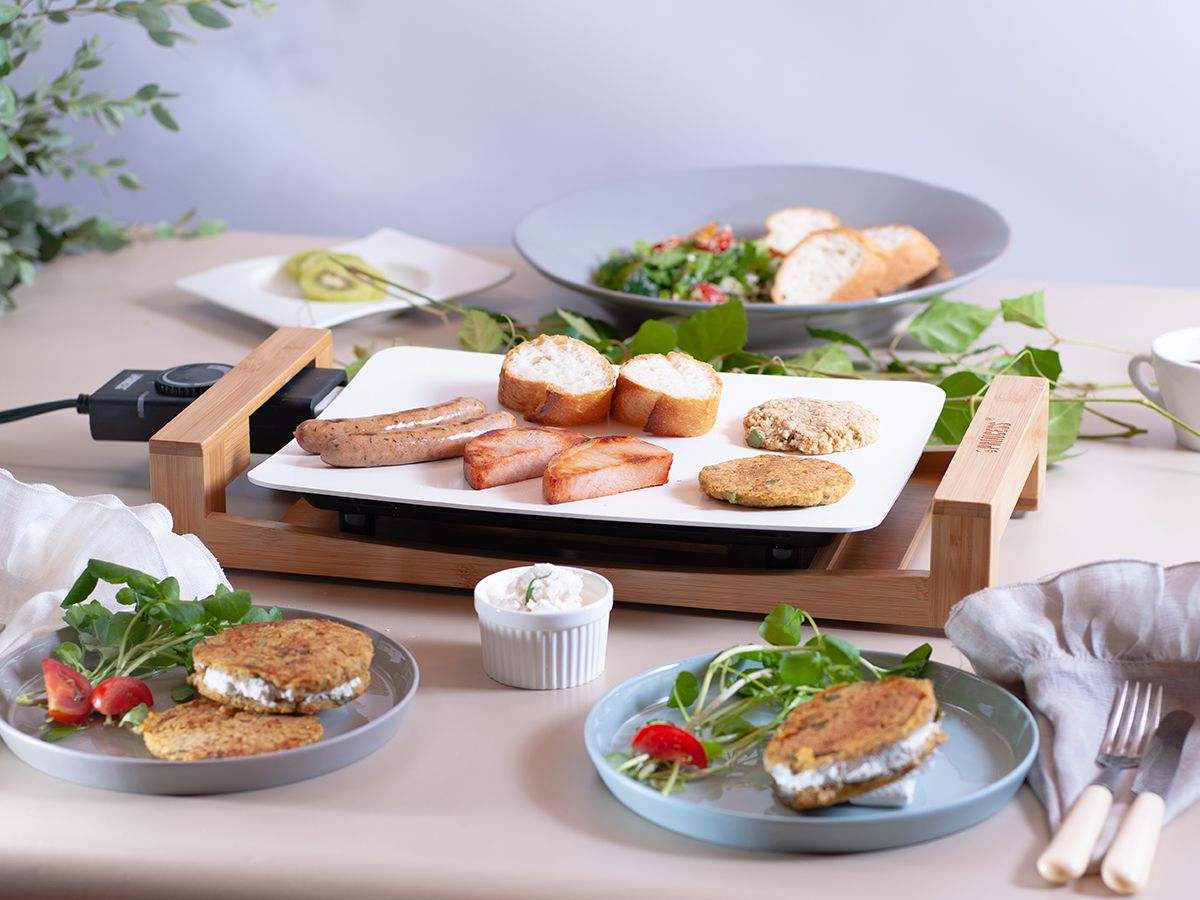 食卓を華やかに彩ってくれる、美しい食器のようなホットプレート|PRINCESS社 Table Grill Mini
