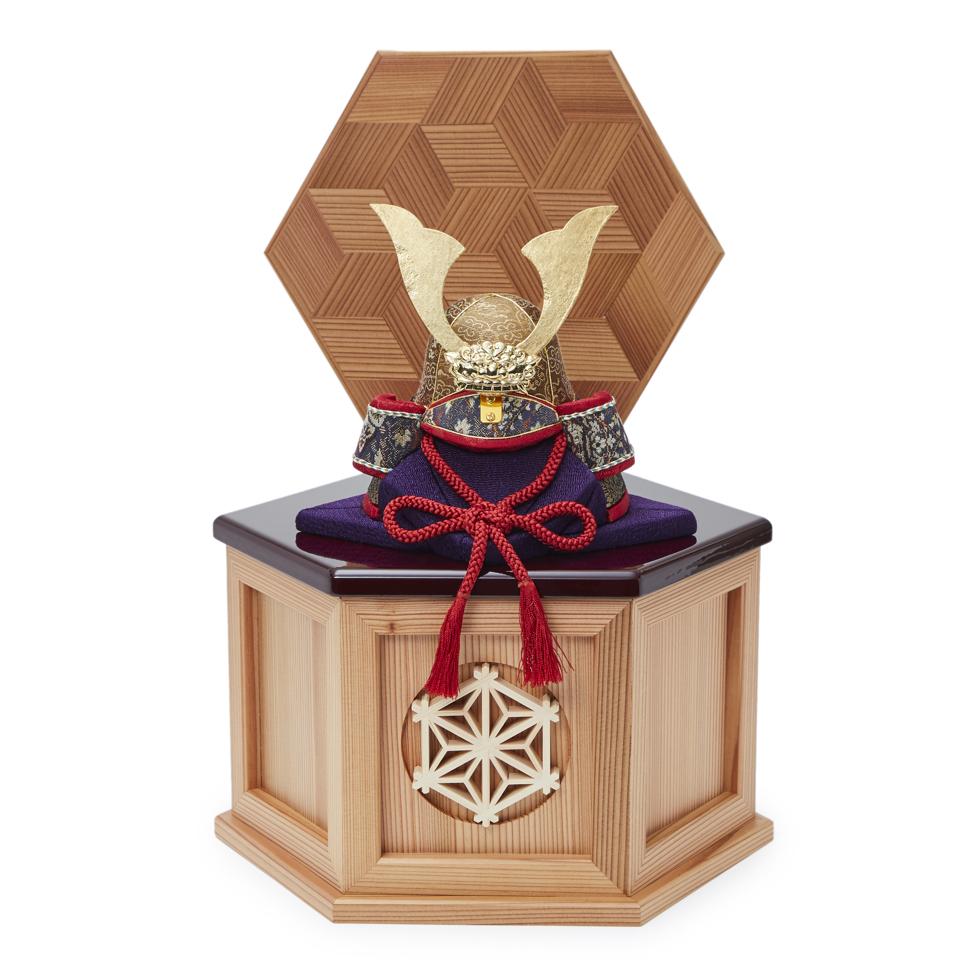 6つの日本伝統工芸をコンパクトにした、木目込みプレミアム五月人形(兜飾り)