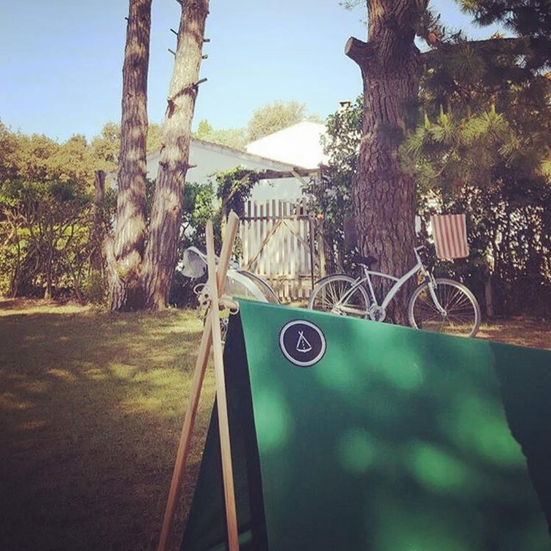好きな場所に建てたテントで、風を感じながらのんびり過ごす、大人の新しいリラックス習慣に。「帆布テント」|LA TENTE ISLAISE(ラ・タント・イレーズ)