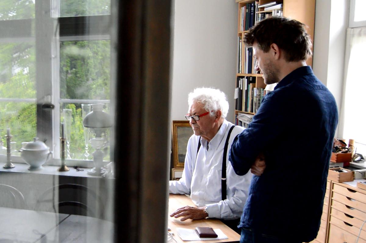 起業家ヤーヌス・オールップと北欧デザインの巨匠ボー・ボンフィスの共作の腕時計|VEJRHØJ