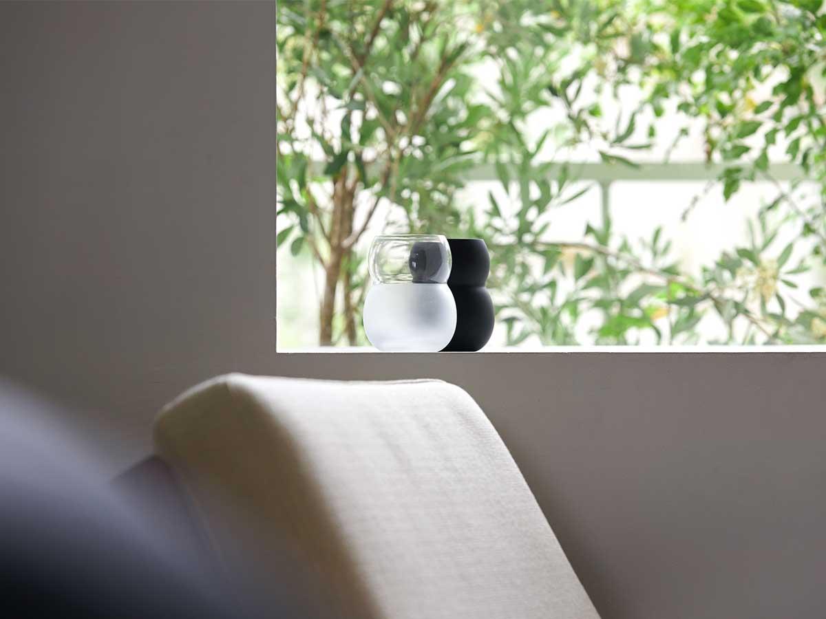 これまでにないものをあえて創造するデザイン会社『aete(アエテ)』の鈴木健氏による、新しいものづくりのプラットフォーム。持ちやすさ、使いやすさ抜群。丸みとくびれのあるお洒落なデザイン|双円(そうえん)のグラス