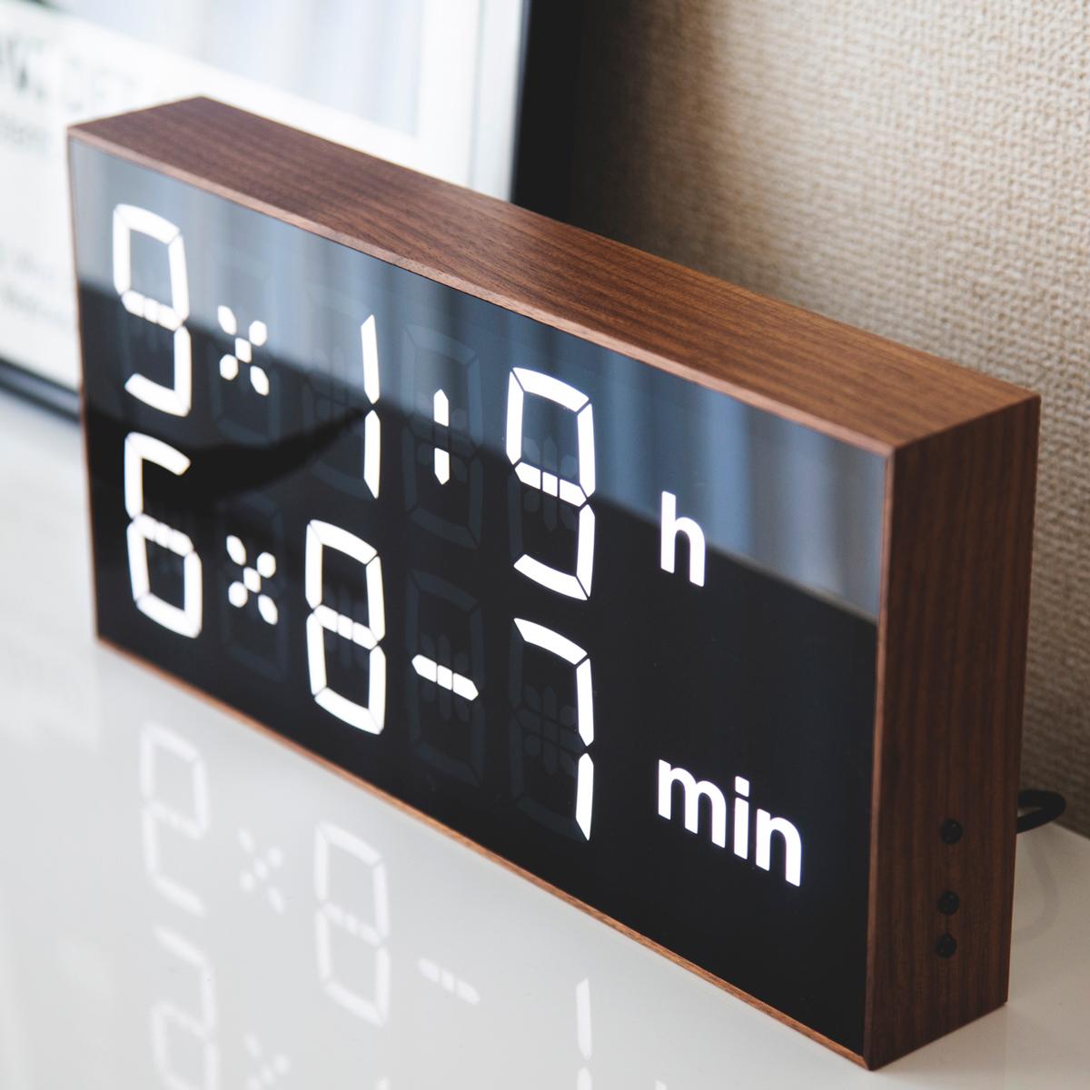 数式で時刻をランダム表示するという、破天荒すぎる発想から生まれたデジタル置き時計 |Albert Clock