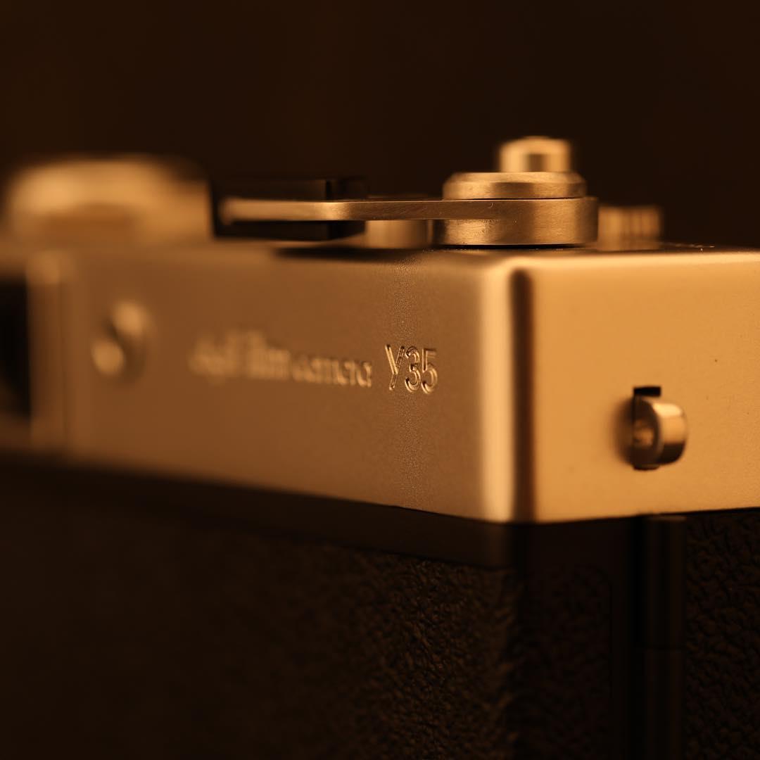 誰でも写真家になれるデジカメ。スマホとひと味違う雰囲気ある写真が撮れるトイデジカメ YASHICA