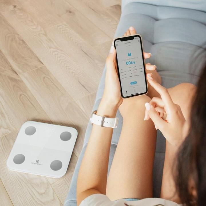 NOERDENで活動データを、MINIMIで体データをアプリで一緒に管理できる。乗るだけでスマホアプリに体重を自動で記録、楽しく続けられる「スマート体重計」|MINIMI(ミニミ)