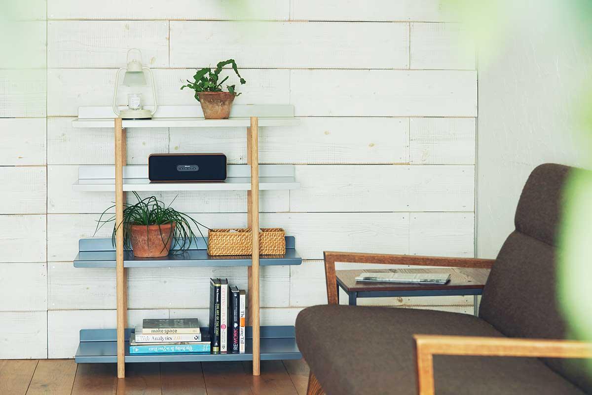棚板を並び替えるたびに、空間を新しくできるグラデーションカラー。色違いの棚板を入れ替えるたびに、新鮮な空間づくりができる「シェルフ(棚)」DUENDE Marge Shelf(デュエンデ マージ シェルフ)