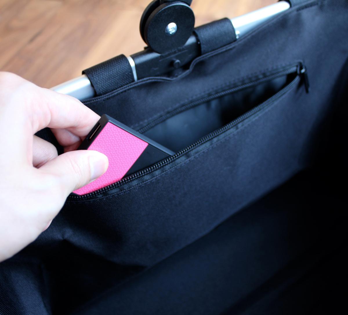 重たい荷物を簡単に運べるお洒落なキャリーバッグ