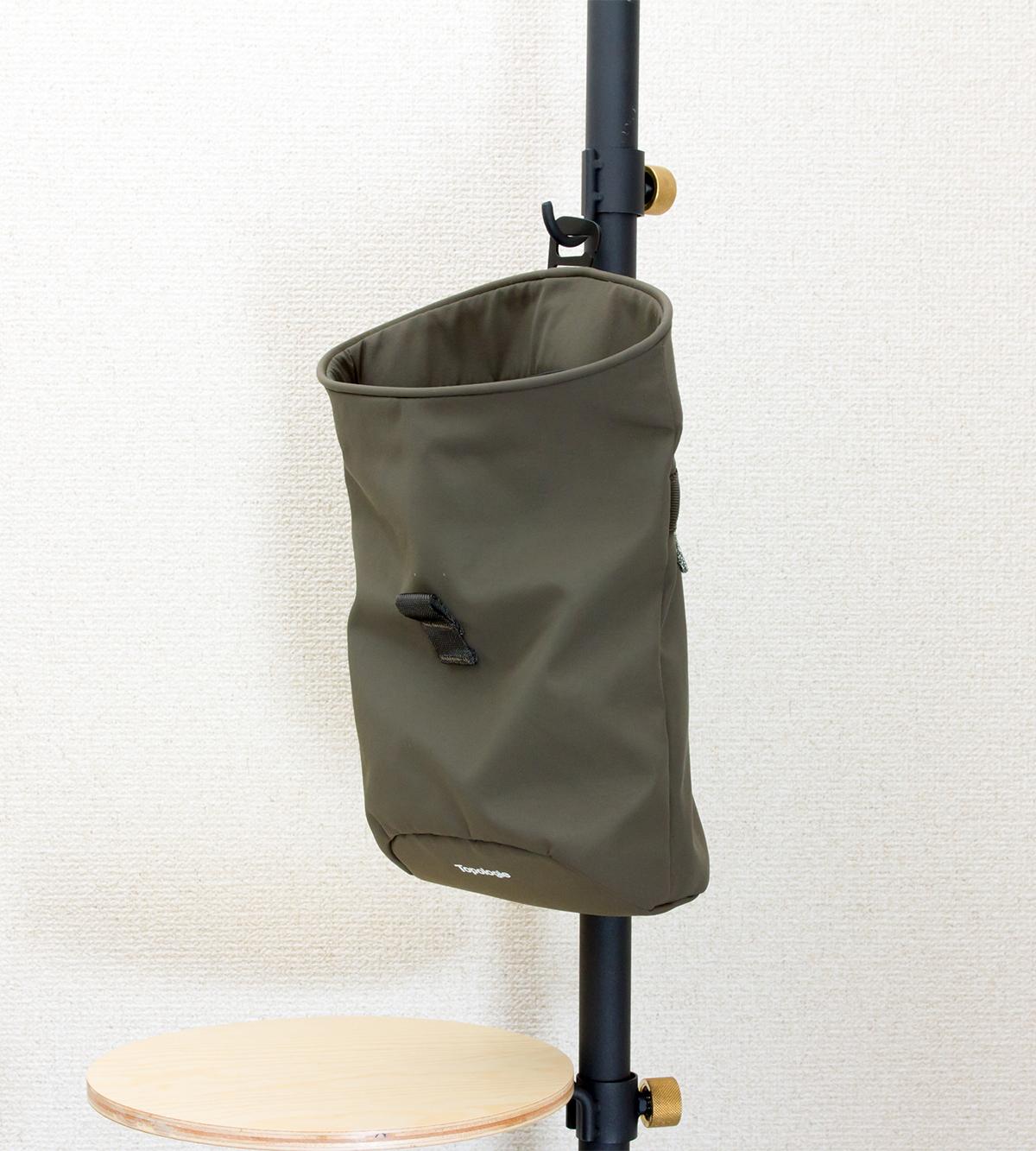 吊り下げバッグ|棚やポールに吊り下げて小物入れとして使える、超軽量、動きを邪魔しない、荷重を分散、ミニマムデザインの4WAYウエストバッグ | Topologie