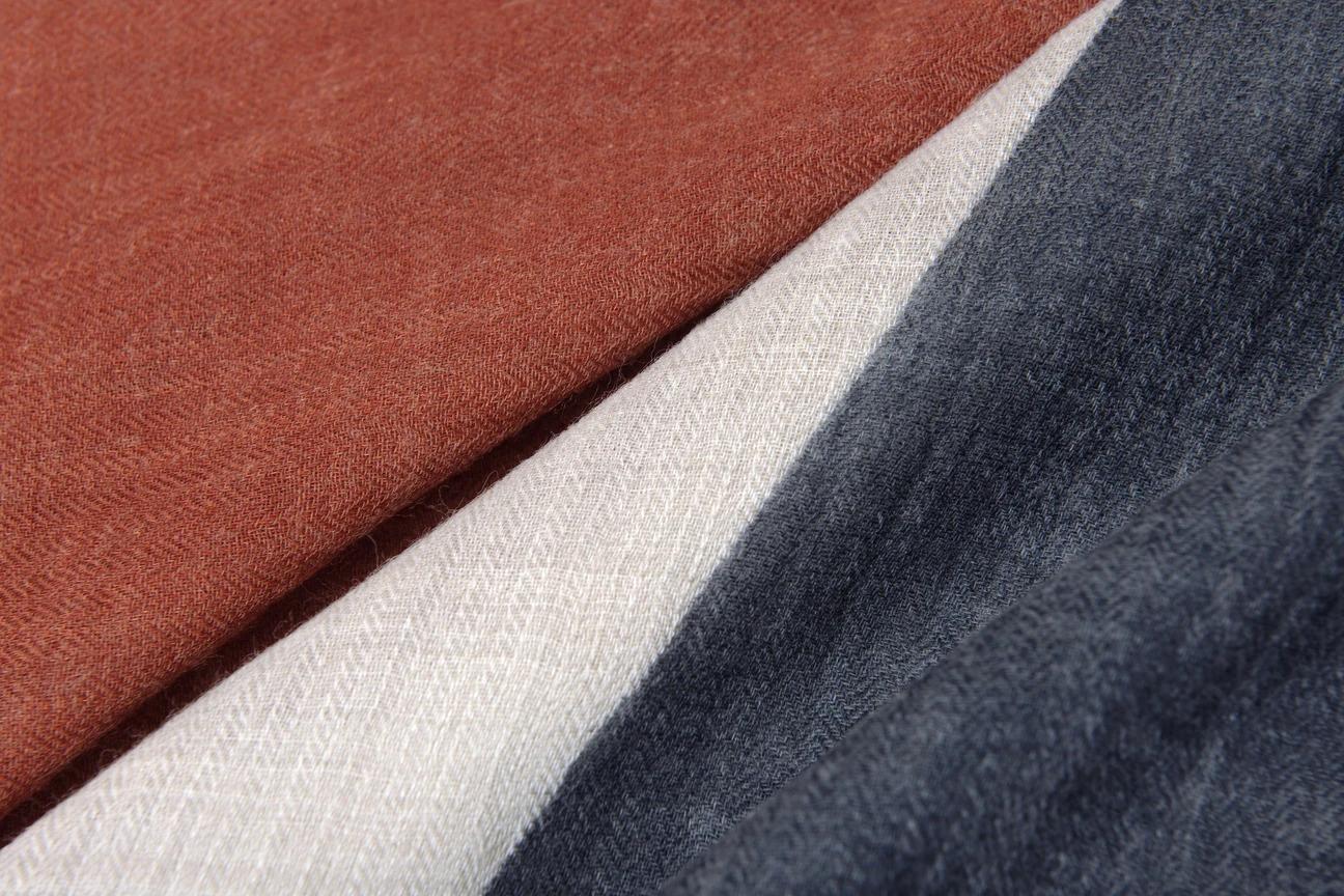 寒い季節の必需品。巻くだけで、センスよく見えて、体がホンワカ温まる「ストール・マフラー」|MOISMONT(モワモン)