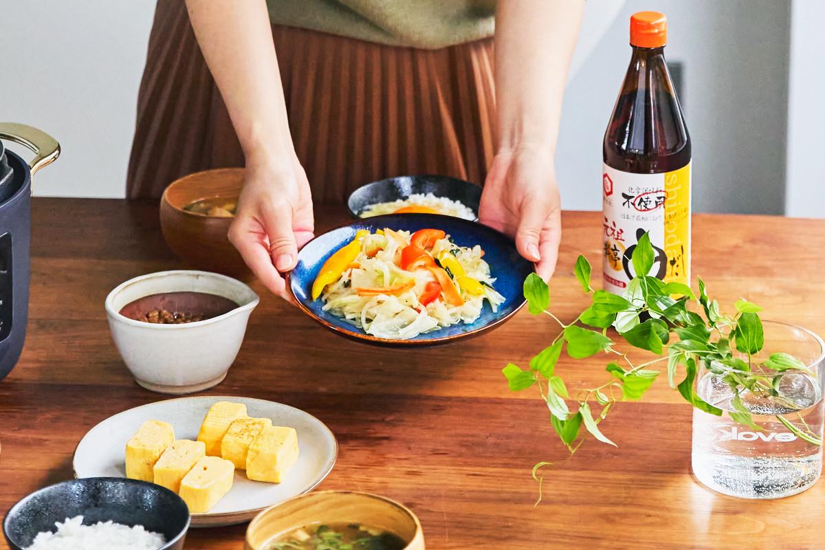 一汁一菜をいただくだけで、「ちゃんとつくった」「体にいいものを食べた」「おいしかった」と、心も体も満足するはずです。|日本で唯一の有機白醤油と枕崎産本枯節を使った「白だしの元祖」万能調味料|七福醸造の元祖料亭白だし